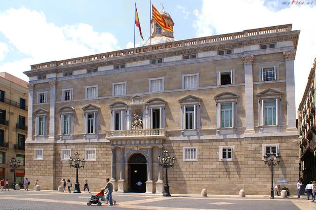"""Résultat de recherche d'images pour """"photos du palais de la generalitat a barcelone"""""""